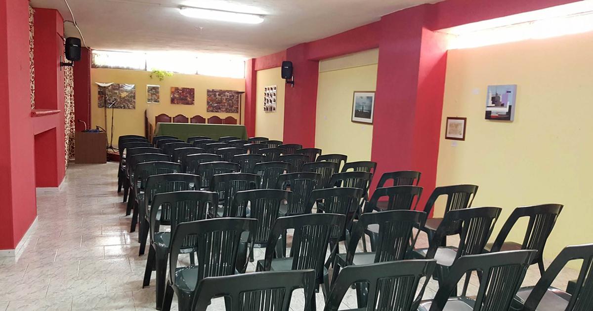 Usa la nostra sala conferenze in cambio di una donazione