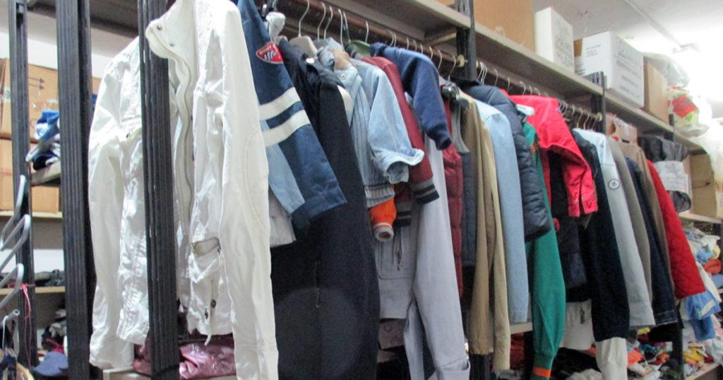 Vestiti di solidarietà (foto 1)