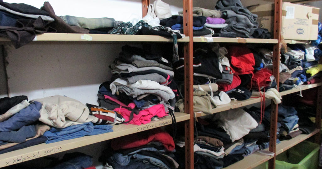 Vestiti di solidarietà (foto 3)