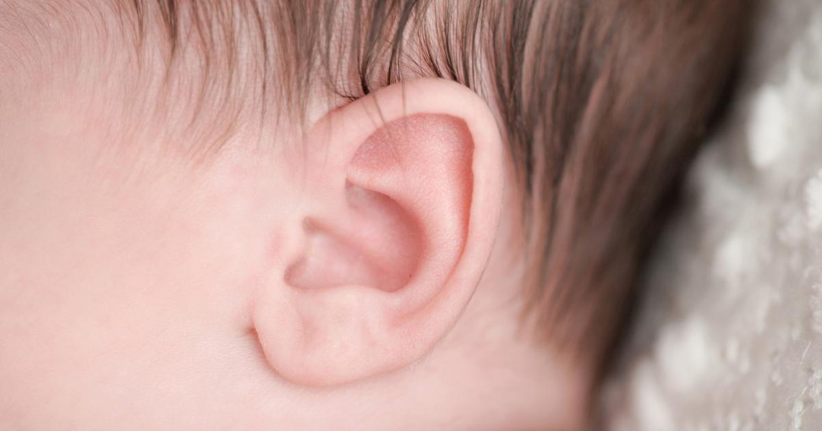Bambino con problemi di udito